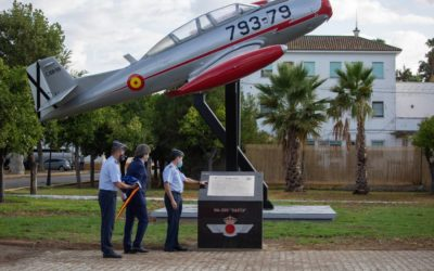 Tablada inaugura el Monumento del HA-200 Saeta, primer avión reactor de fabricación nacional