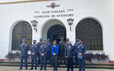 Visita de la Delegada de Gobierno en la Comunidad Autonómica de Andalucía al Acuartelamiento Aéreo de Tablada