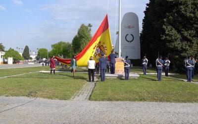 Videonoticia sobre el acto de izado solemne de Bandera en reconocimiento a la Universidad de Sevilla